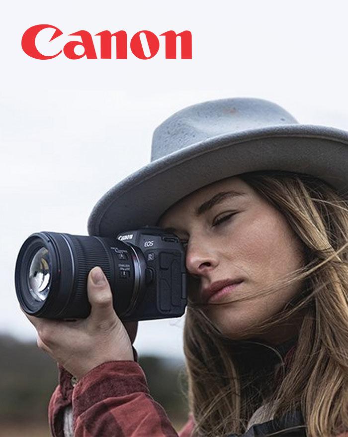 Zena s fotoaparatom